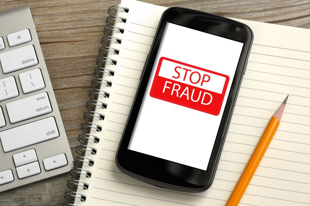 stop-fraud-on-smartphone